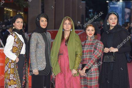 Noele, Telma, Nawal Sharipi, Shabnam Moghaddami, Roya Javidnia, Mahsa Alafar, Mohammadreza Ghaffari