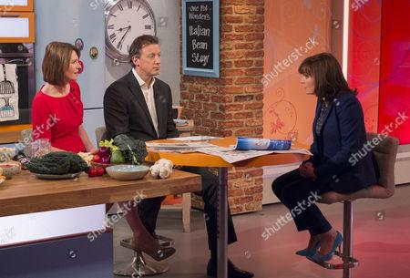 Jayne Secker and Tom Newton-Dunn with Lorraine Kelly