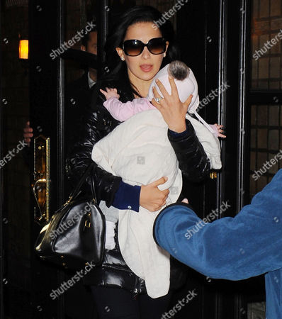 Editorial picture of Hilaria Baldwin and her baby daughter Carmen Gabriela leaving her house in Manhattan, New York, America - 13 Nov 2013