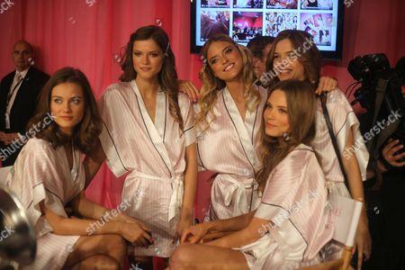 Monika Jagaciak, Kasia Struss, Martha Hunt, Caroline Brasch Nielsen backstage