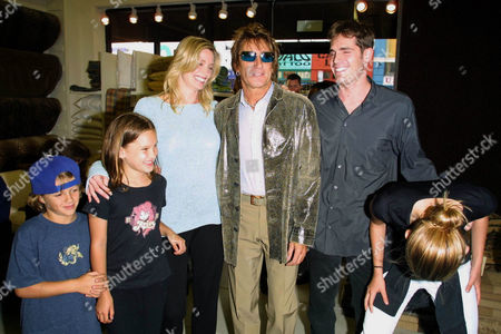 KELLY EMBERG AND HER EX ROD STEWART WITH GAVIN BRODIN WITH ROD'S KIDS L TO R LIAM, RENE AND RUBY.
