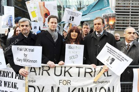 Gary Mckinnon Protest Outside The Home Office. Left To Right Chris Hume Nick Clegg Janis Sharp David Burrowes And Andrew Mackinlay.