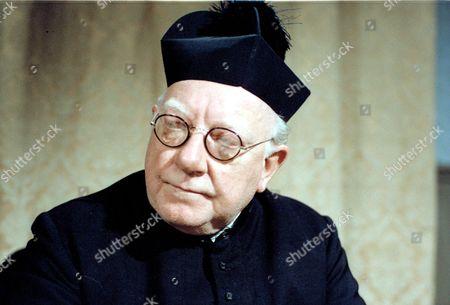 ARTHUR LOWE. 'BLESS ME FATHER' JUL.'80