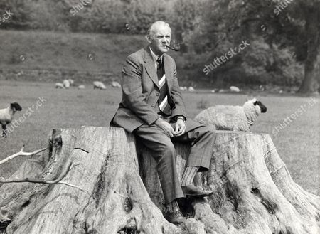 Detective Supt Peter Bayliss Of Derbyshire Cid Pictured On Cromford Common From Box 2056604.