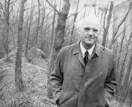 Detective Chief Superintendent Peter Bayliss Stands At The Spot Where A Girls Body Was Found Near Cromford Derbyshire. Of Derbyshire Cid From Box 2056604.