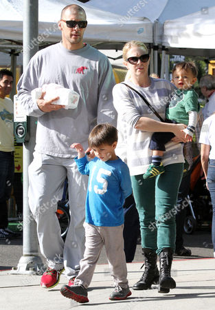 Editorial image of Melissa Joan Hart and family out and about, Los Angeles, America - 17 Nov 2013