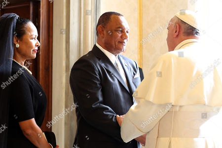 Perry Christie and his wife Bernadette with Pope Francis I
