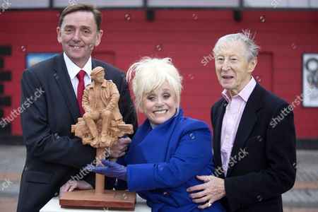 Barbara Windsor with Sir Sir Robin Andrew Wales, Mayor of Newham (L), and actor Murray Melvin
