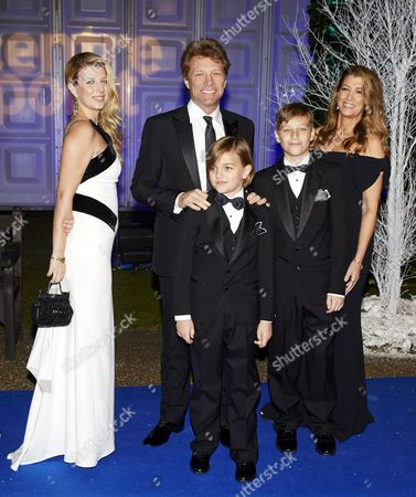 Jon Bon Jovi, wife Dorothea Hurley (R), daughter Stephanie and sons Jesse Bon Jovi and Jacob Hurley