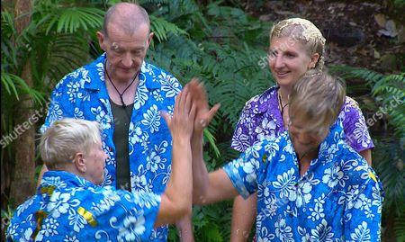 Blue Team - Kian Egan, Steve Wright and Laila Morse with Rebecca Adlington - Halfway Holiday Challenge Final