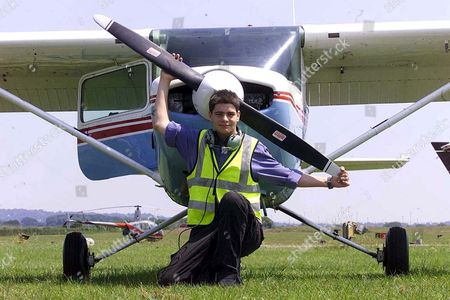 TOM WARREN BRITAIN'S YOUNGEST SOLO PILOT