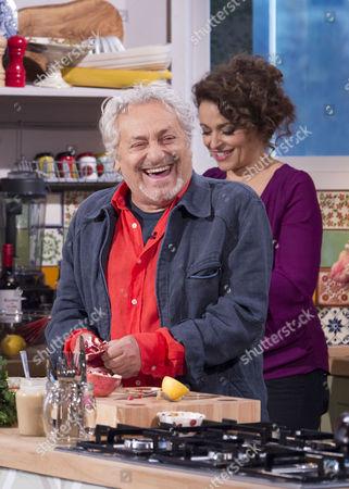 Editorial picture of 'Sunday Scoop' TV Programme, London, Britain - 01 Dec 2013