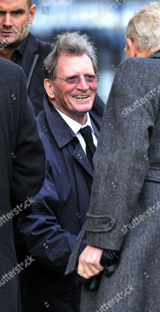 Coronation Street Actor Bill Tarmey Funeral At Albion United Reform Church Ashton-under-lyne Manchester.- Former Actor Johnny Briggs.
