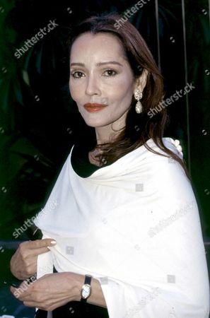 Barbara Carrera