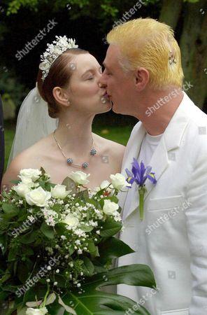 CORONATION STREET ACTOR IAN MERCER AND SUSAN FENWICK KISSING AT THEIR WEDDING
