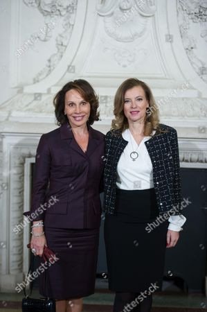 France's first lady Valerie Trierweiler (R) with Gabon First Lady Sylvia Bongo Ondimba