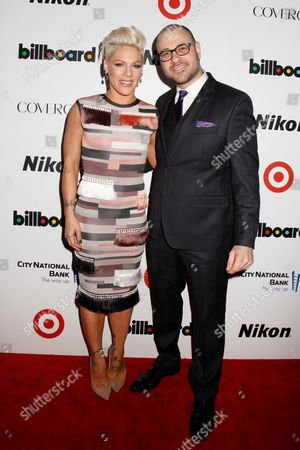 Stock Picture of Pink and Bill Werde, Editorial Director, Billboard