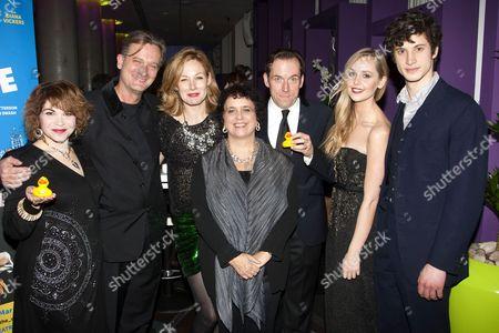 Debbie Chazen (Ludmilla), Simon Shepherd (Sir Norman Cavendish), Nancy Carroll (Felicity), Nica Burns (Producer), Ben Miller (Robert Houston MP), Diana Vickers (Holly) and James Musgrave (Seb)