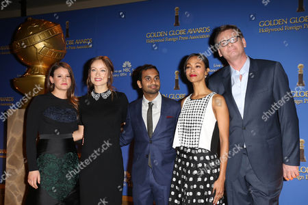 Sosie Bacon, Olivia Wilde, Aziz Ansari, Zoe Saldana and Hollywood Foreign Press Association President Theo Kingma