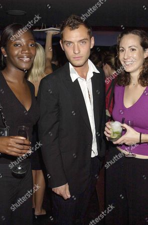 JUDE LAW WITH THE 3AM GIRLS EVA SIMPSON AND POLLY GRAHAM