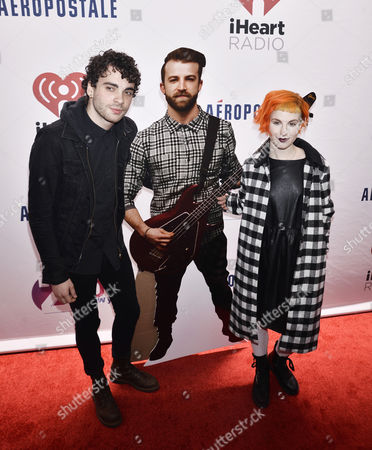 Paramore - Taylor York and Hayley Williams with a Jeremy Davis cardboard cut-out