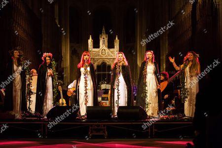 The Mediaeval Baebes - Katharine Blake, Esther Dee, Clare Marika Edmondson, Sarah Kayte Foster, Emily Alice Ovenden, Josephine Ravenheart