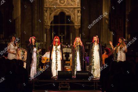 Stock Image of The Mediaeval Baebes - Katharine Blake, Esther Dee, Clare Marika Edmondson, Sarah Kayte Foster, Emily Alice Ovenden, Josephine Ravenheart