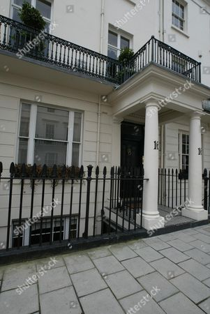 No 16 South Eaton Place Belgravia London Sw1. Actress Elizabeth Hurley Viewed The Ii5million Property Over He Weekend. Should She Decide To Buy She Would Be Following Some Illustrious Occupiers. The Property Has Two Blue English Heritage Plaques Outside. Viscount Cecil Of Chelwood The Son Of Former Prime Minister Lord Salisbury And One Of The Founders Of The League Of Nations Was Once The Owner. Until 1982 The Property Was In The Hands Of Philip Noel-baker A One-time Labour Minister And A Silver Medalist In The 1500 Metres At The 1920 Antwerp Olympics. Liz Hurley.