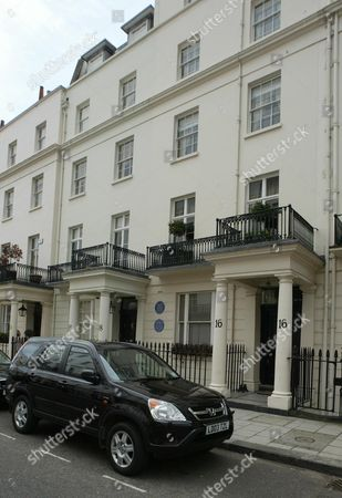 Stock Image of No 16 South Eaton Place Belgravia London Sw1. Actress Elizabeth Hurley Viewed The Ii5million Property Over He Weekend. Should She Decide To Buy She Would Be Following Some Illustrious Occupiers. The Property Has Two Blue English Heritage Plaques Outside. Viscount Cecil Of Chelwood The Son Of Former Prime Minister Lord Salisbury And One Of The Founders Of The League Of Nations Was Once The Owner. Until 1982 The Property Was In The Hands Of Philip Noel-baker A One-time Labour Minister And A Silver Medalist In The 1500 Metres At The 1920 Antwerp Olympics. Liz Hurley.