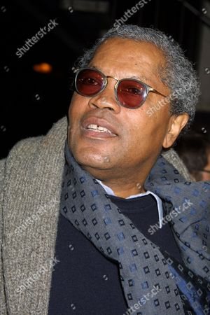 """Clarence Williams III at the premiere of """"Impostor"""" at the GCC Avco Cinema in Westwood, California on December 4, 2001.  Westwood, California.  Photo ® Matt Baron/BEI at the premiere of Dimension Films' """"Imposter"""" at the GCC Avco Cinema in Westwood, California on December 4, 2001.  Westwood, California.  Photo ® Matt Baron/BEI"""