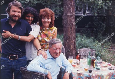 British Spy Kim Philby (died 11/5/1988) At The Home Of George Blake In Russia With His 4th Wife Rufina Ivanovna Pukhova (nina Philby) Son John Philby And His Wife Nishia Philby.