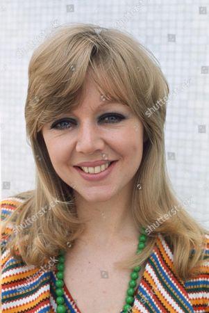 CAROL HAWKINS : 1976