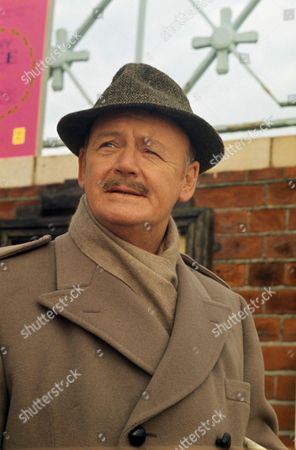ROBERT URQUHART : '' THE AWFUL MR GOODALL '' - 1974