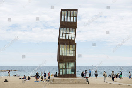 L'Estel Ferit, sculpture by Rebecca Horn at the beach of Barceloneta