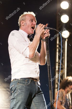 Chris Barron, lead singer of the American band Spin Doctors, live at the Blue Balls Festival, Pavillon am See