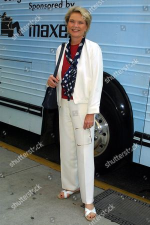 """Erika Slezak (""""One Life to Live"""") arrives at Sony Music Studios in New York City on September 22, 2001 to participate in recording a new version of Nile Roger's classic song """"We Are Family"""". Part of the proceeds from the record, will support the World Trade Center victims through a donation to the community work of the American Red Cross.  September 22,  2001  Manhattan, New York  Photo® Matt Baron/BEI"""