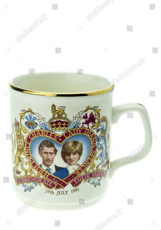 Prince Charles and Lady Diana Spencer commemorative Royal Wedding mug