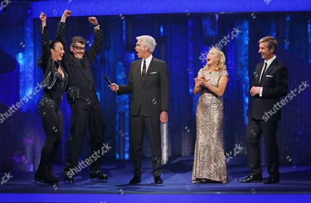 Joe Pasquale and Robin Johnstone with Phillip Schofield, Jayne Torvill and Christopher Dean