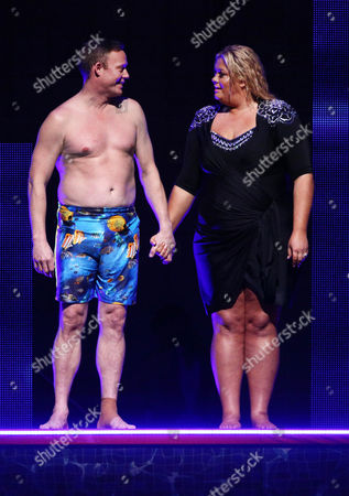 Ricky Groves holds Gemma Collins hand as they wait to hear if they are in the Splash Off