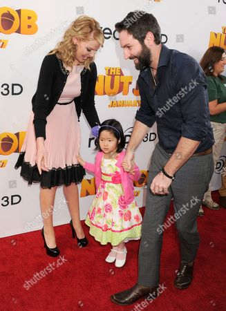 Stock Picture of Katherine Heigl, Josh Kelley and daughter Naleigh