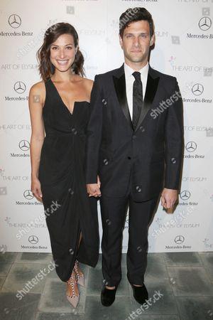 Lia Smith and Justin Bartha