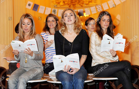 Julie Gayet, Olivia Cote, Judith Siboni, Joana Preiss, Lea Drucker, Dinara Droukarova and Emmanuelle Hauck