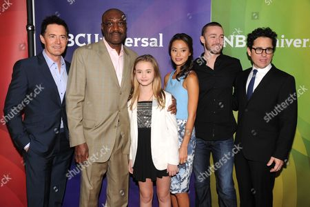 Kyle MacLaughlan, Delroy Lindo, Johnny Sequoyah, jamie Chung, Jake McLaughlin and JJ Abrams