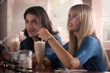 Prom (2011) Thomas McDonell, Aimee Teegarden