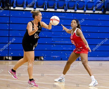 Cathrine Latu of New Zealand and Eboni Beckford Chambers of England Netball