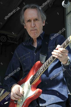 Stock Picture of Michael Landau of The Ringers