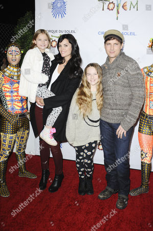 Jaimie Alexander and Peter Facinelli with his daughters Lola and Fiona