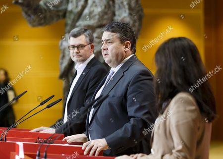 Dietmar Nietan, Sigmar Gabriel and Yasmin Fahimi