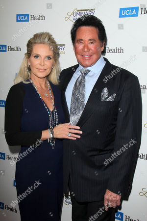 Kathleen McCrone and Wayne Newton