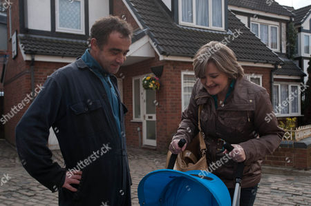 Stock Image of Coronation Street - Ep 7855 Monday 30 April 2012 at 7.30pm Pam Hobsworth [KATE ANTHONY] agrees to look after Jack whilst Kevin Webster [MICHAEL LE VELL] and Sally go on a date.